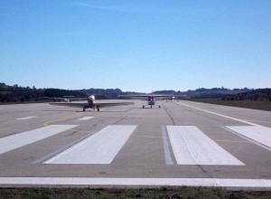 Ponikve pista sa avionima