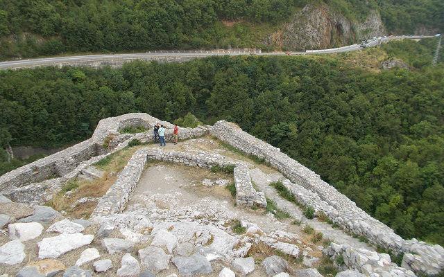 Stari grad zid